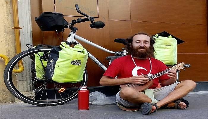 İtalya'dan Çanakkale'ye uzanan bisiklet yolculuğu
