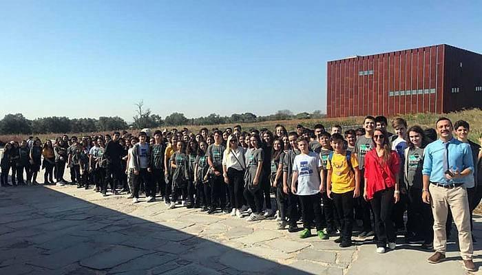 Kolej öğrencileri Truva Antik Kenti'ni gezdi