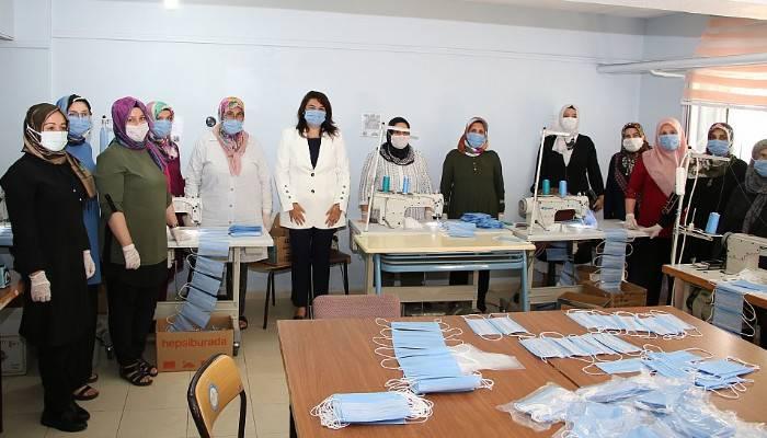 İskenderoğlu'ndan maske üreticilerine teşekkür