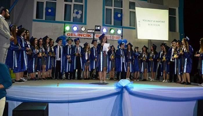 Biga Mehmet Akif Ersoy Anadolu Lisesi 56. dönem mezunlarını verdi
