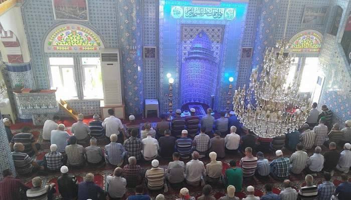 Ramazanın Son Cumasında Camiiler Doldu