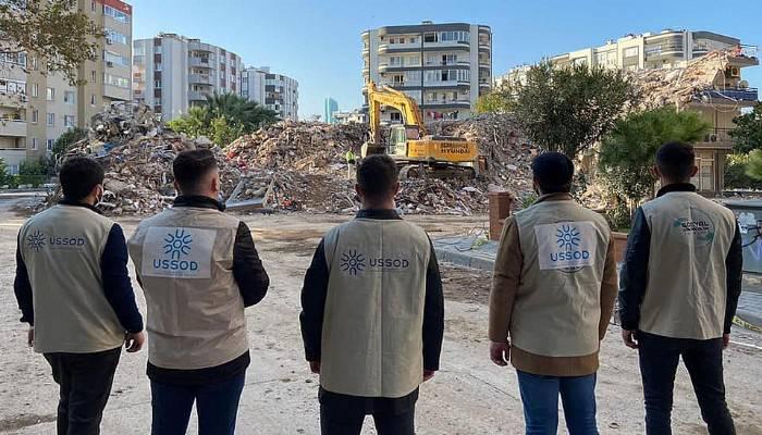 Sosyal Sorumluluk Topluluğu depremzedelerin yanında