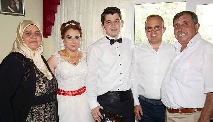 Turan düğün törenine katıldı