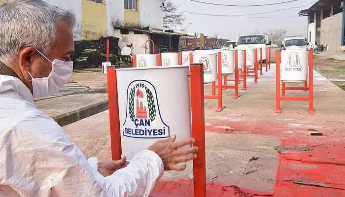 Çan Belediyesi çöp kovalarını kendi üretmeye başladı