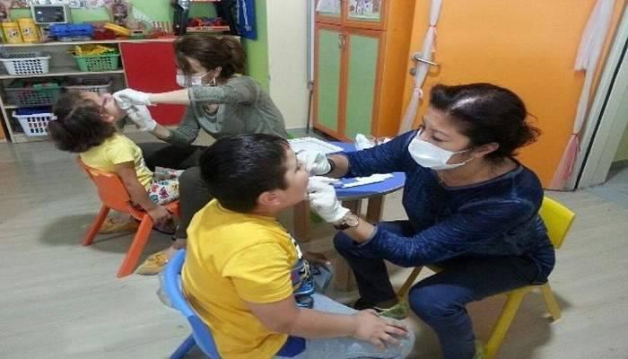 Çocuklara diş sağlığı eğitimi