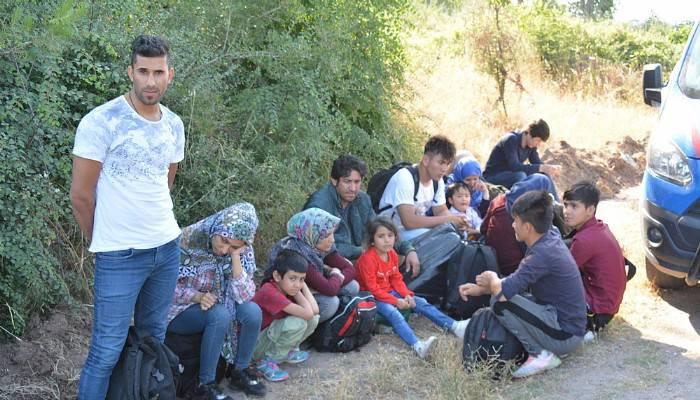 Çanakkale'de 45 kaçak göçmen yakalandı (VİDEO)