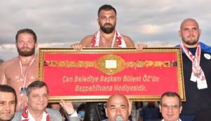 Çan Yağlı Güreşlerinin Şampiyonu Fatih Atlı Oldu