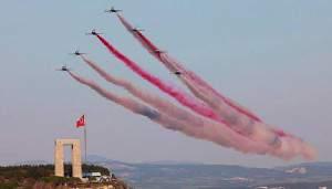 Türk Yıldızları nefes kesti (VİDEO)