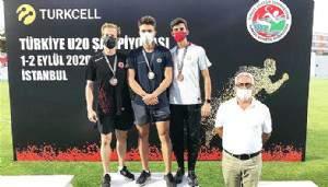 Uyar, İki Ayrı yarışta Çanakkale'yi Gururlandırdı