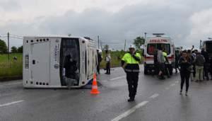 Biga'da öğrencileri taşıyan minibüs devrildi (VİDEO)