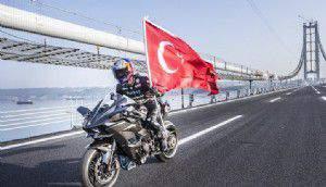 Kenan Sofuoğlu Osmangazi Köprüsünden 400 kilometre ile geçti