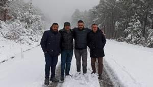 Lapseki'de beklenmedik kar yağışı