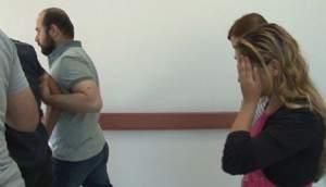 17'lik eş kocasını çekiçle öldürüp, sevgilisiyle yakmış