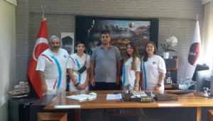 Başarılı sporcular Akçal'ı ziyaret etti