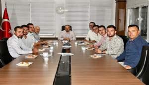 Turan, Dernek Yönetim kurulu üyeleriyle görüştü