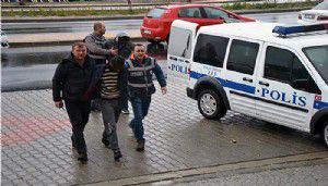 Telefon dolandırıcıları suç üstü yakalandı
